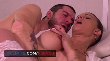 Blonde Chad White milks man meat with her hot mouth