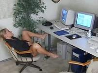 Amateur Office Masturbation Becomes Blowjob Delights